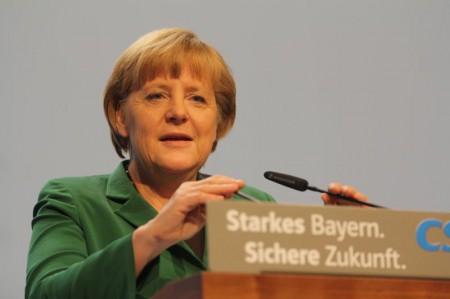 Angela Merkel spricht am 19.10.2012 auf dem CSU-Parteitag in München. Bild: Michael Lucan
